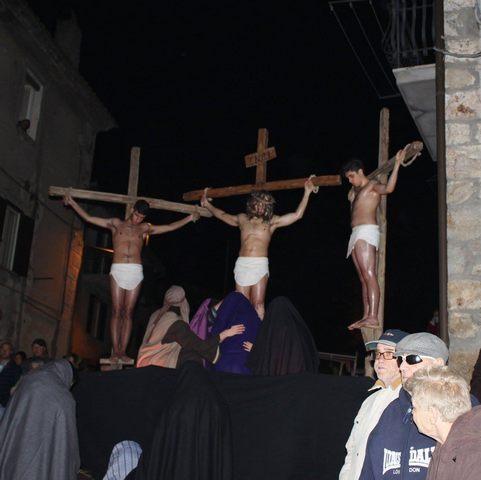 In collina appuntamento con le tradizionalie amate processioni del Cristo Morto