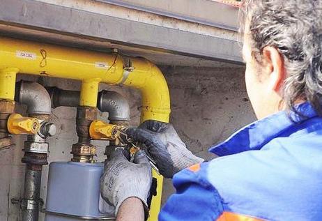 Valcanneto: prime famiglie servite dal gas metano