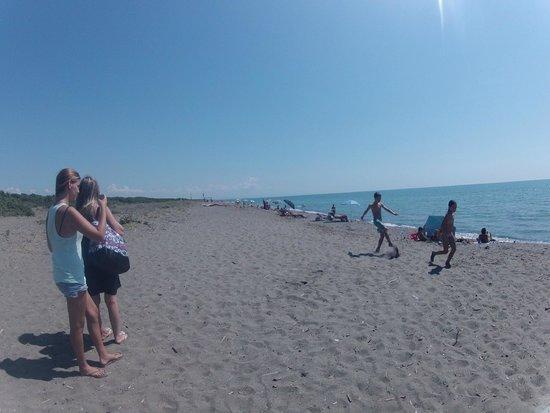 Parametri nei limiti: l'acqua del mare  di Pescia è idonea alla balneazione