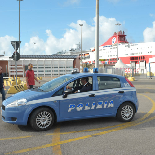 Esplosivo a bordo: allarme al porto