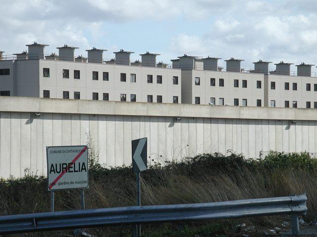 Hashish nascosto in cella: denunciato un detenuto