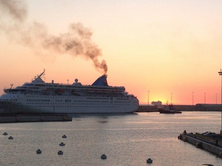 Fumi in porto: sanzionata una nave