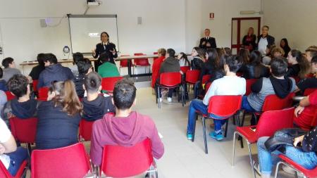 Sicurezza in ambito ferroviario, gli studenti del Di Vittorio incontrano la Polfer