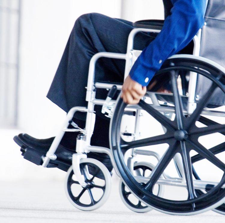 Niente soldi, disabili lasciati a piedi