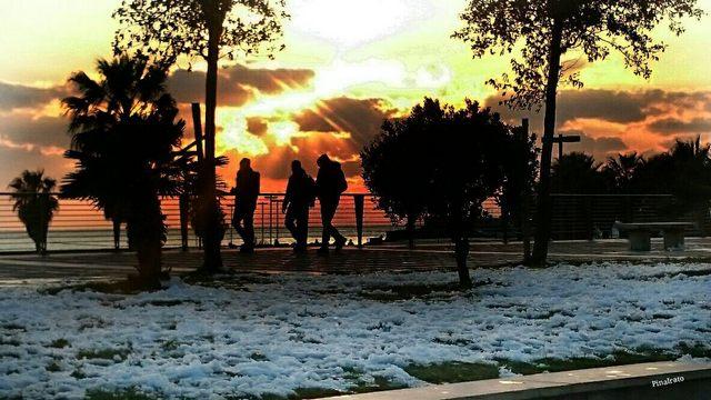 Tramonto e neve a braccetto (foto Pina Irato)