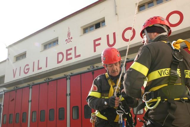 Il Consiglio si schiera con i Vigili del fuoco