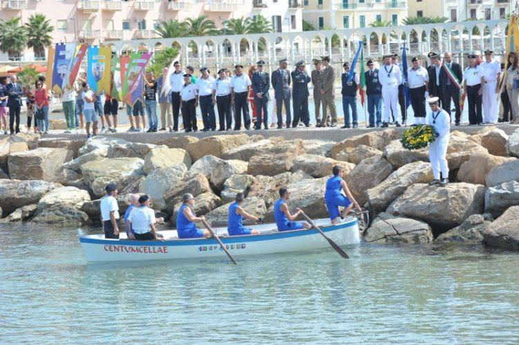 Marinai scomparsi in mare: ricordati anche i migranti
