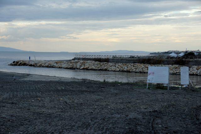 Bandiera nera per la foce del fiume Marta a Tarquinia
