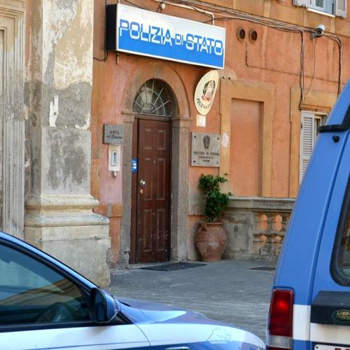 Ruba denaro da uno stabilimento: denunciato romeno