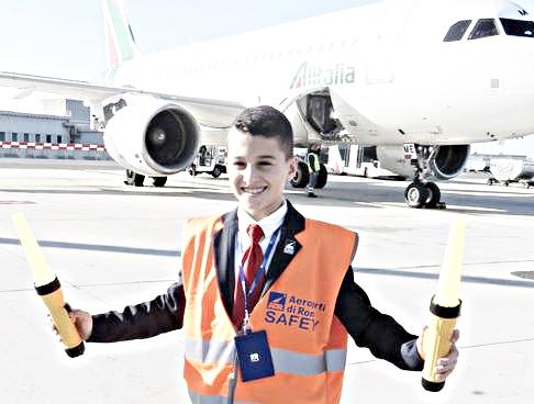 Bambini al lavoro in aeroporto