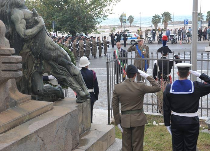 Le Autorità festeggiano le Forze Armate
