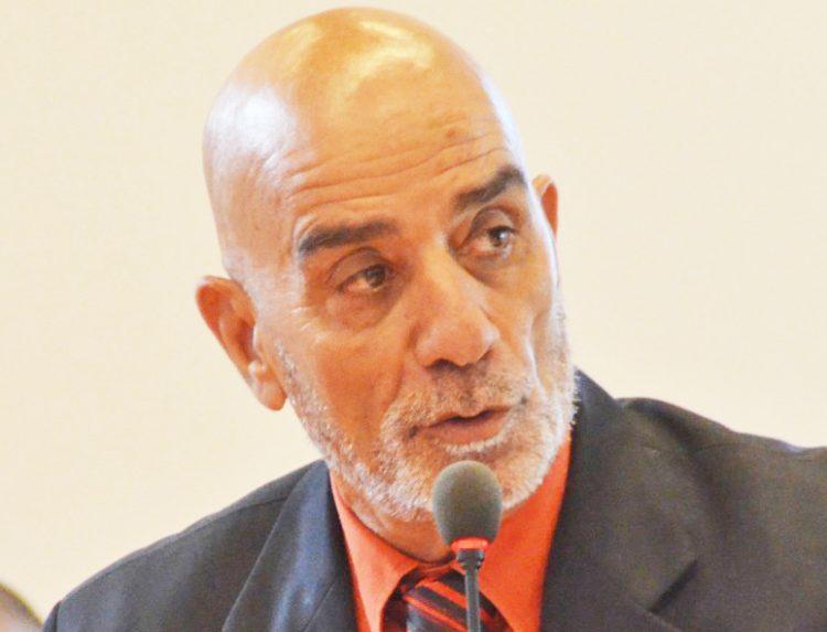 L'opposizione insorge contro Travaglia