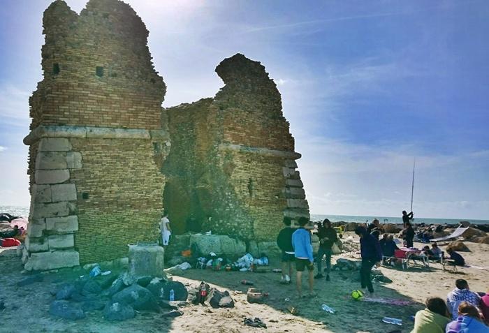 Pasquetta, ''assalto'' a Torre Flavia