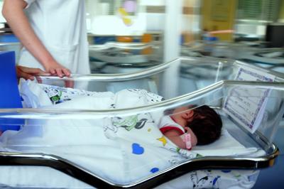 Donne in difficoltà economica potranno partorire in clinica