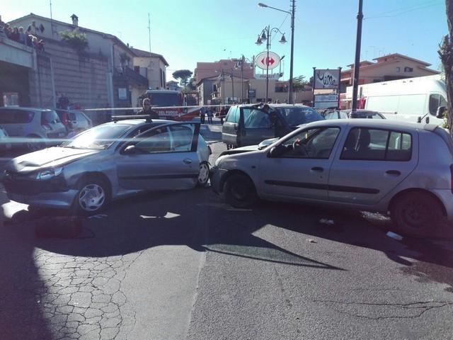 Scontro tra auto in via Romana:  muore Pietro Di Pietrantonio