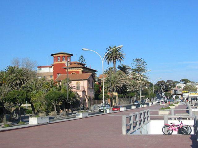 Un'altra città è possibile: ''Santa Marinella città invivibile''