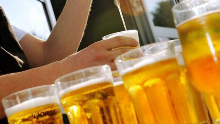 Fiumi di birra per l'ultimo giorno da ''Oktober fest'' in collina