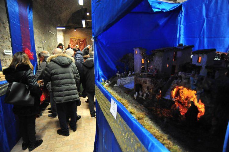Presepi, inaugurata la mostra alla Rocca