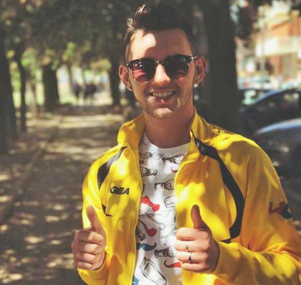 Tragedia all'alba a Cerveteri, ragazzo muore carbonizzato nella sua auto