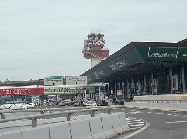 Fiumicino,  sì del ministro Delrio all'ampliamento dell'aeroporto