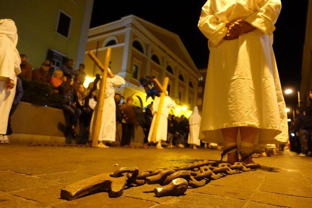 In mostra da oggi gli scatti della Processione del Venerdì Santo