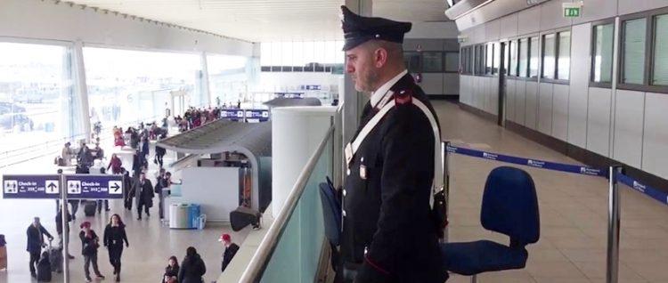 Corruzione, arrestati 3 funzionari delle dogane aeroportuali