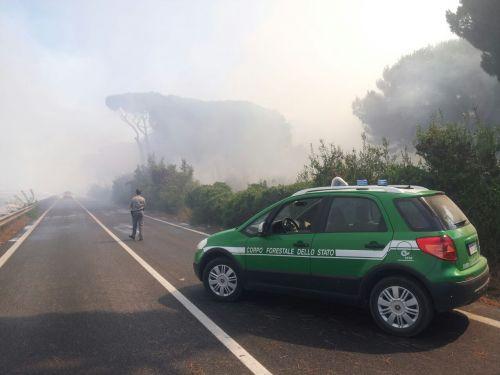 Via della Scafa bloccata per ore dal fumo denso