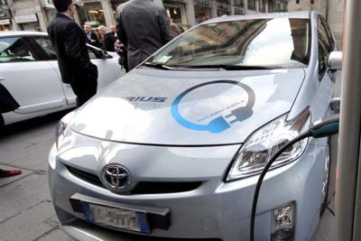 Auto, il mercato punta sull'elettrica