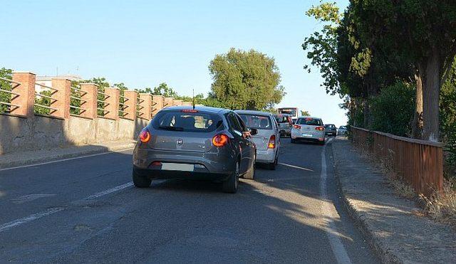 Via Castronovo, disagi per gli automobilisti