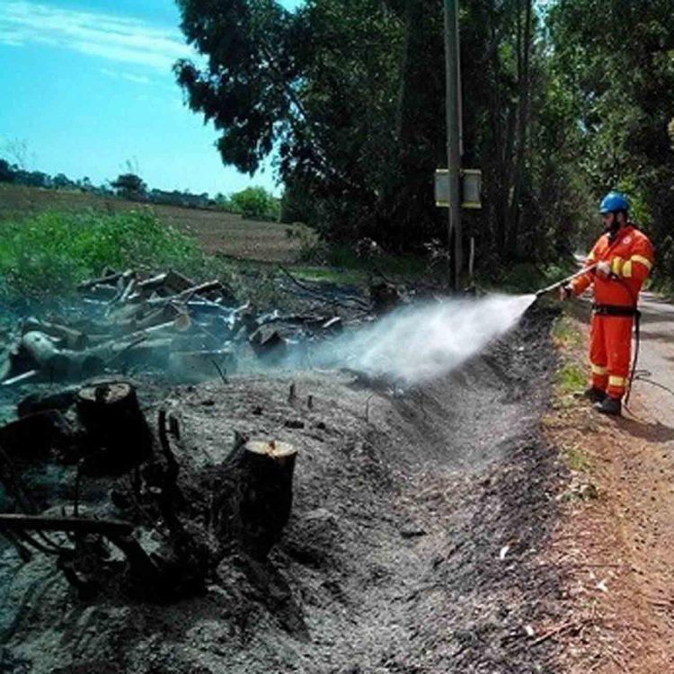 Volontaria Prociv innesca incendio nella macchia mediterranea: arrestata
