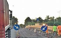 Riapre il Ponte della Scafa, traffico in tilt