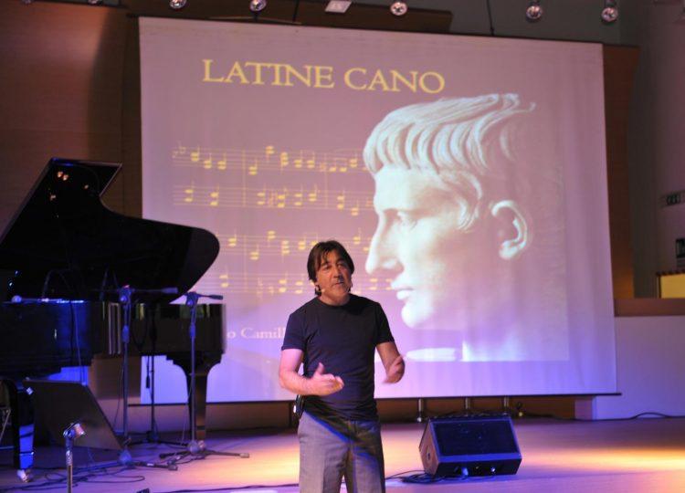 Camilletti canta le canzoni di Augusto