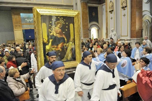 Cattedrale gremita per la Madonna di Pompei