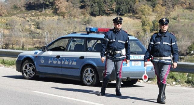 Polstrada: intensificati i controlli per le festività natalizie