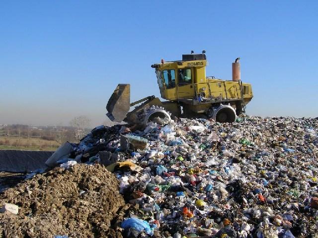 """I consiglieri M5S Porrello e Blasi: """"Si vuole creare l'emergenza rifiuti"""""""