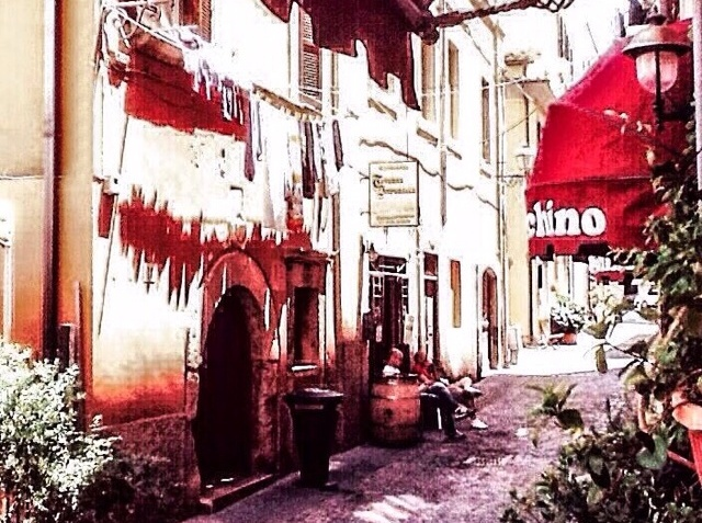 Via Pietro Manzi (foto Enzo Di Maio)