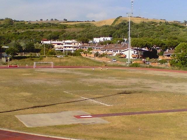 «Campo sportivo in condizioni pessime»