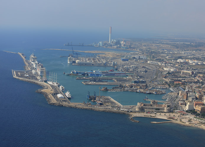 Zes: FdI presenta un disegno di legge anche per il porto di Civitavecchia