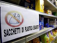 Plastica, i bioshopper sorpassano la filiera illegale