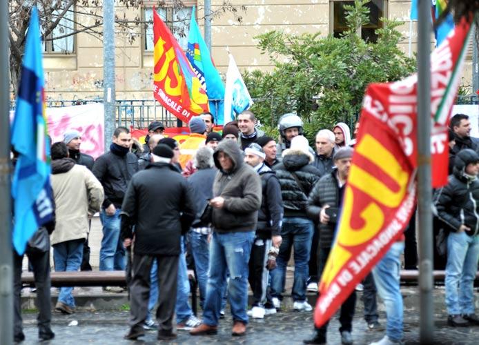 Hcs: attesa per l'incontro con i sindacati