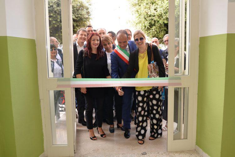 La giunta Pasquini fa centro: festa alla scuola di via Turati