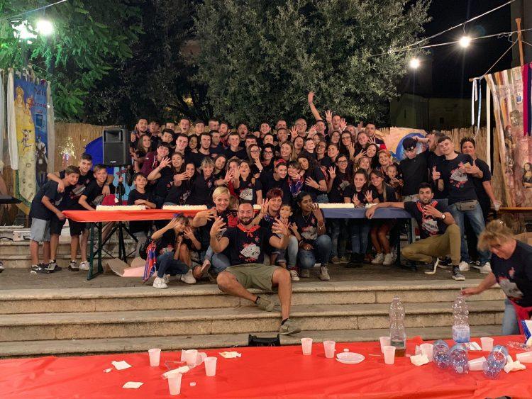 Piazza gremita per festeggiare il Cencio