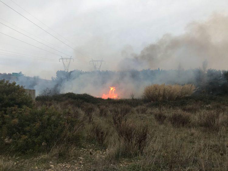 Incendio nei pressi del casello Civitavecchia nord