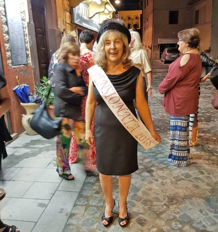 Festa di pensionamento per Vilma, bidella da 30 anni alla Don Milani de I Terzi