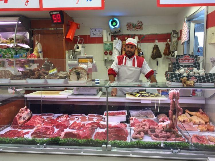 Il bovino maremmano dell'Agraria di Allumiere finisce sui banchi del supermercato