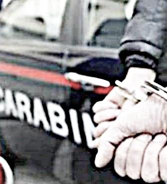Tentato furto in pieno centro, due arresti