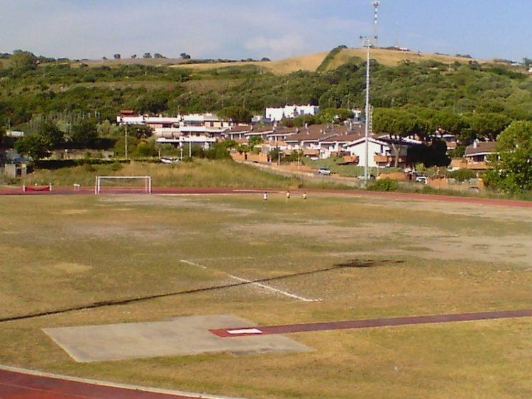 «Grave ritardo nel restyling del campo sportivo»