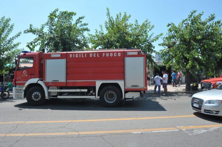 Vigili del fuoco, allarme per l'ottico in viale Garibaldi