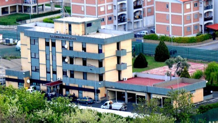 Sfruttamento di lavoratori, sequestro di persona, estorsione e caporalato: quattro arresti a Tarquinia