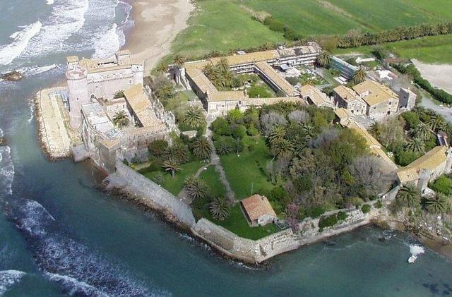Castello, matrimoni anche nel fossato destro della Rocca